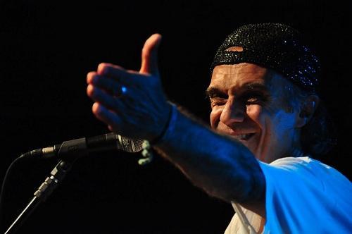 cantor brasileiro