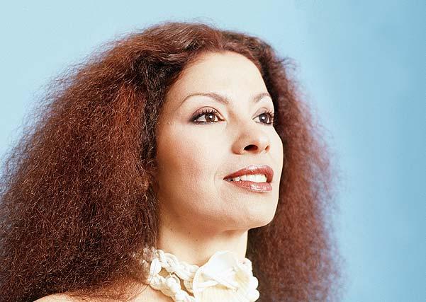 Clara Nunes.jpg Clara Nunes (Cantoras brasileiras)