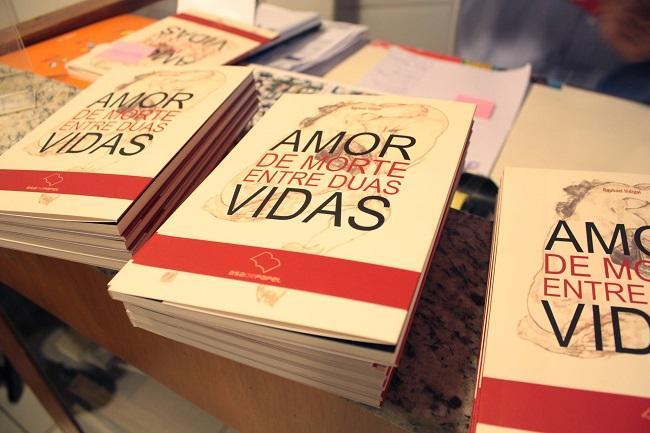 """Capa do livro """"Amor de Morte Entre Duas Vidas"""""""