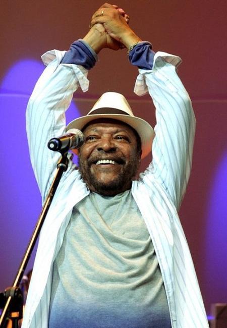 O cantor Martinho da Vila em mais uma apresentação de samba