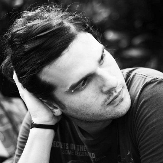 Compositor, guitarrista e produtor Fred Oliveira mixou álbum de Roberto Carlos