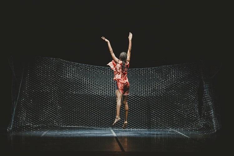 Espetáculo é protagonizado por Cyntia Reyder