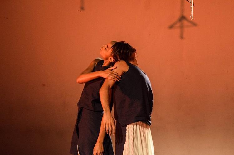 """""""Não existe vida no talvez"""" é espetáculo de dança contemporânea"""