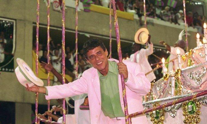 Chico Buarque foi homenageado pela Mangueira