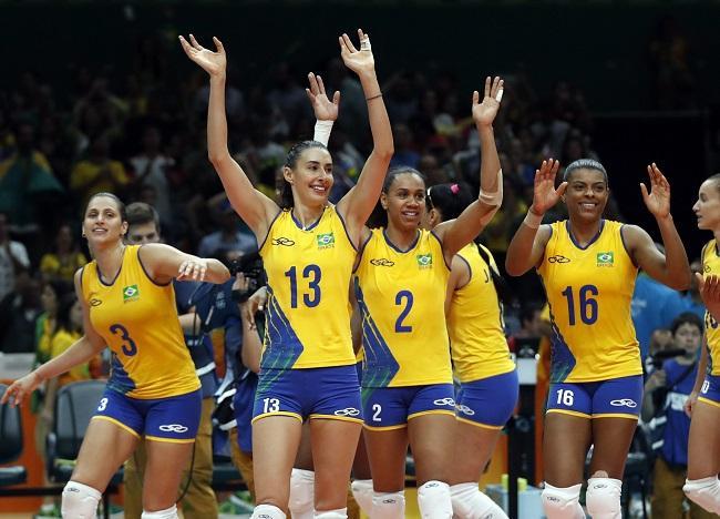 Apesar da eliminação, equipe feminina de vôlei do Brasil foi aplaudida pelos torcedores