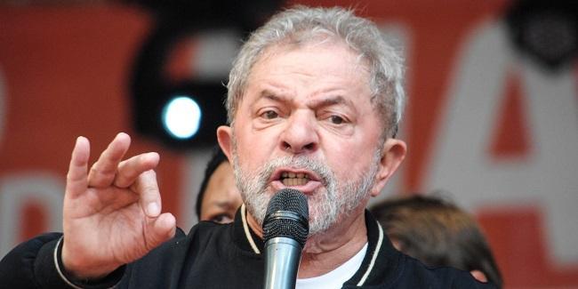 O ex-presidente Luiz Inácio Lula da Silva discursa