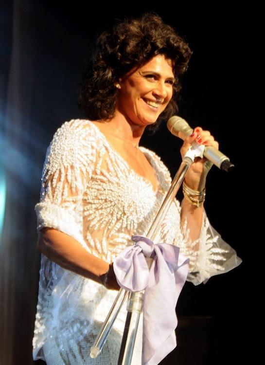 Cantora Simone gravou clássicos inesquecíveis da música brasileira