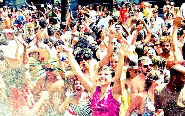 Marchinhas são sucesso no carnaval de BH