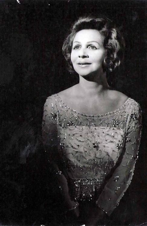Cantora Dalva de Oliveira foi Rainha do Rádio