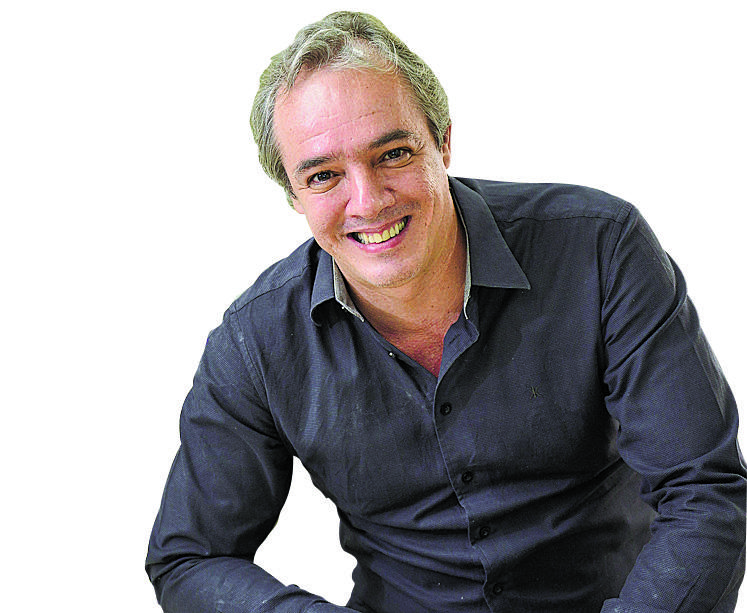 Flávio Henrique é autor de Casa Aberta
